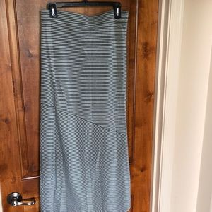 Ava & Viv knit skirt. Olive & White stripe. 2X
